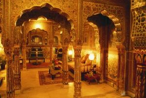 SAMODE HAVELI Sheesh mahal suite  Jaipur